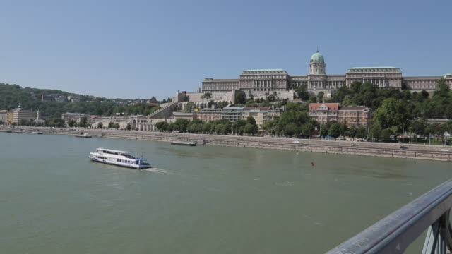 chain bridge szechenyi lamchid & hungarian nation gallery, budapest, hungary, europe - chain bridge suspension bridge stock videos & royalty-free footage