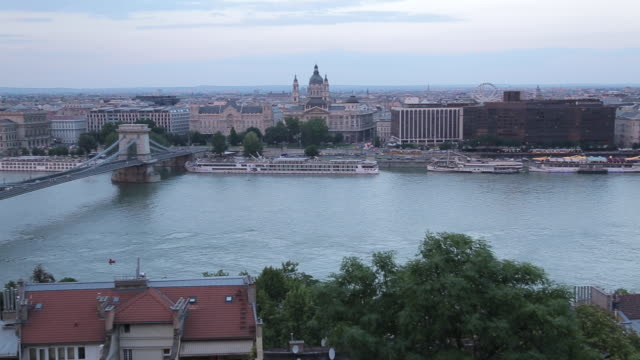 chain bridge szechenyi lamchid, & river danube from castle hill district, budapest, hungary, europe - chain bridge suspension bridge stock videos & royalty-free footage