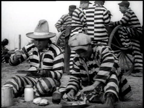 1938 ms chain gang prisoners eating / georgia, usa - chain stock videos & royalty-free footage