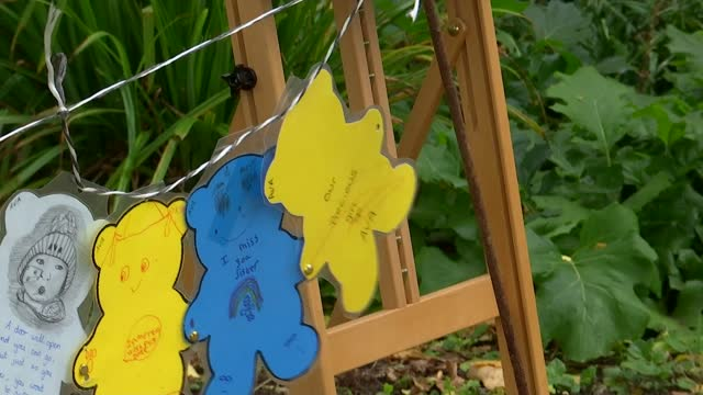 chain of 10,000 teddies to be displayed in memory of toddler ava; england: east london: dagenham: ext across paper teddy bears for the 'ava chain of... - itv london tonight stock videos & royalty-free footage