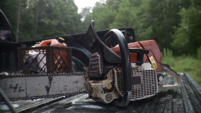 cu chainsaw, stowe, vermont, usa - chainsaw stock videos & royalty-free footage