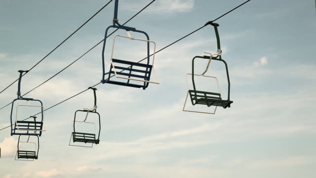 chair lifts at an amusement park - ski lift stock videos & royalty-free footage