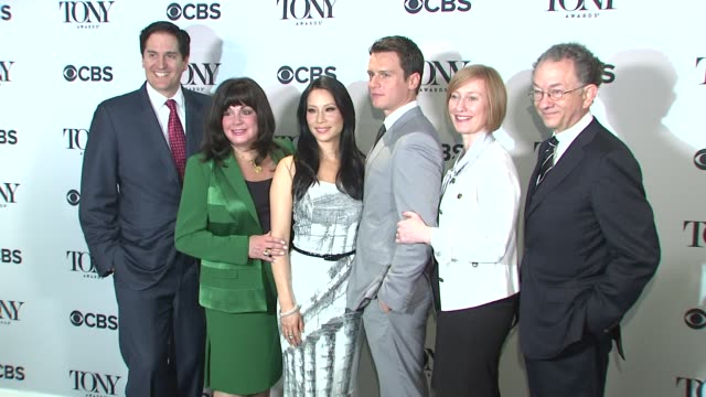 chairman of the broadway league nick scandalios executive director of the broadway league charlotte st martin actress lucy liu actor jonathan groff... - leitende person stock-videos und b-roll-filmmaterial