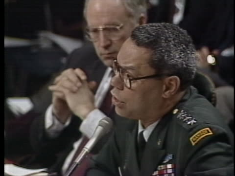 vídeos de stock e filmes b-roll de chairman of the joint chiefs of staff, lt. general colin powell says the world may be less threatening but it is also less stable. - ministério da defesa dos estados unidos