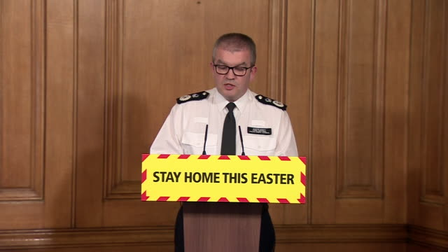 chairman of the national police chiefs' council, martin hewitt, saying officers are adapting to new risks and responsibilities during the coronavirus... - 酋長点の映像素材/bロール