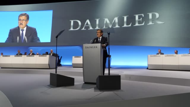 chairman of the supervisory board of daimler ag, manfred bischoff speaks during the annual daimler ag shareholders meeting on may 22, 2019 in berlin,... - annual general meeting stock videos & royalty-free footage