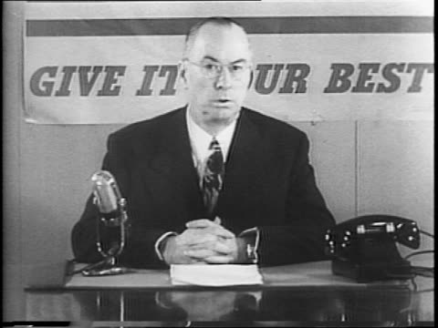 vidéos et rushes de chairman of the war production board donald nelson speaks to camera / relieves doubt about us and united nations war production against axis powers. - 1942