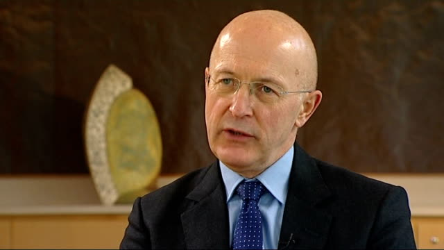 rbs chairman sir philip hampton interview on bankers' pay and bonuses england london int sir philip hampton interview sot - ローラ・クエンスバーグ点の映像素材/bロール
