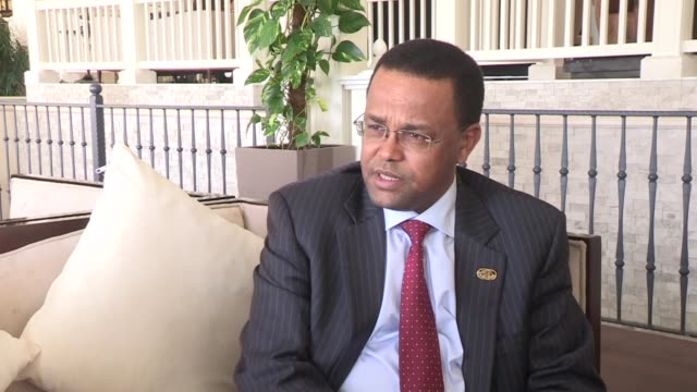 chairperson of rcmrd conference of ministers and national planning commissioner of ethiopia yinager dessie belay makes a statement to the media... - エチオピア点の映像素材/bロール