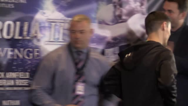 vídeos de stock e filmes b-roll de challenger anthony crolla and champion jorge linares weigh in ahead of their fight for the wba, wbc and ring magazine world title fight at the... - lightweight
