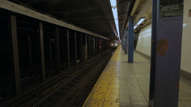 Chambers Street subway station as the A train approaches
