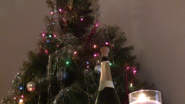 champagner 3-hd 1080 i/60 - sektkorken stock-videos und b-roll-filmmaterial