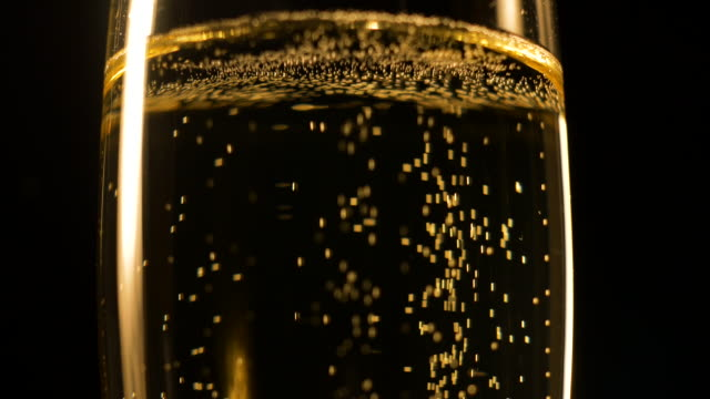 stockvideo's en b-roll-footage met champagne close-up - overvloed