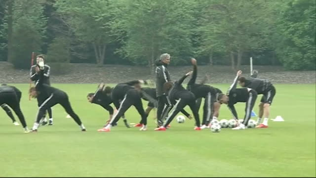 chelsea beaten by atletico madrid in semifinal 2942014 england london stamford bridge ext chelsea players training as watched by jose mourinho - semifinal round stock videos & royalty-free footage