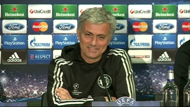 stockvideo's en b-roll-footage met chelsea beaten by atletico madrid in semifinal 2942014 england london stamford bridge int wide shot terry and mourinho at press conference mourinho... - halve finale