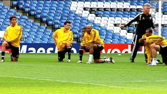 Chelsea training More shots of Chelsea squad training including Ashley Cole John Terry Frank Lampard Florent Malouda Didier Drogba Jose Bosingwa Alex...