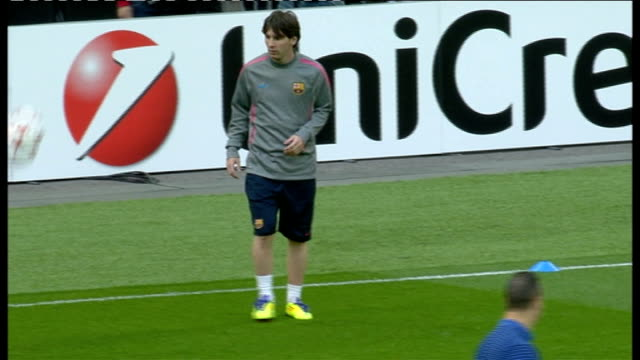 barcelona beat manchester united england london messi warming on pitch before 2011 champions league final against manchester united - lionel messi stock videos and b-roll footage