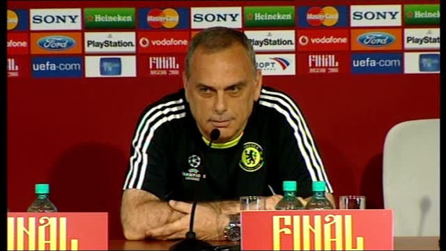 Chelsea FC press conference Avram Grant press conference SOT Need to respect everyone at Chelsea ask questions about the final / Has pictures of...