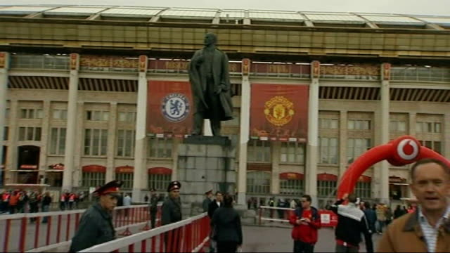 Chelsea v Manchester United buildup Reporter to camera