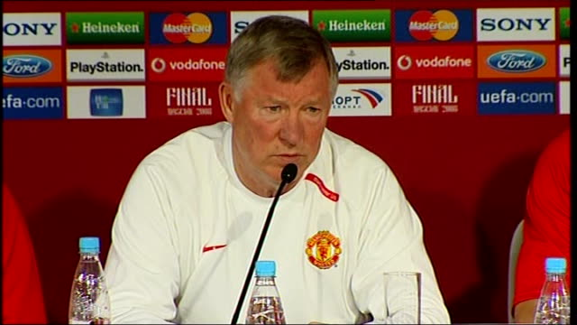 Manchester United press conference / training session Brown press conference SOT Was a sub in 99 great experience to be in the final is great for...