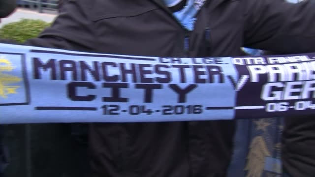 Manchester City through to semifinals ENGLAND Manchester Etihad Stadium EXT Manchester City team bus arriving outside Stadium Camera phones held up...