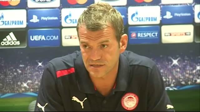 Olympiacos goalkeper Roy Carroll press conference / Olympiacos training ENGLAND London Emirates Stadium INT Roy Carroll press conference SOT On...