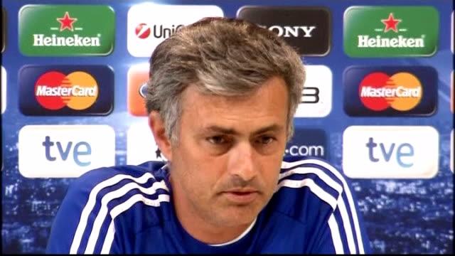 champions' league real madrid v tottenham hotspur match preview int jose mourinho press conference sot - ジョゼ・モウリーニョ点の映像素材/bロール