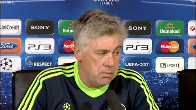 run up to chelsea v copenhagen match int carlo ancelotti press conference - regione dell'oresund video stock e b–roll