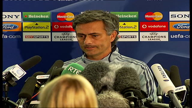 vídeos de stock e filmes b-roll de chelsea v liverpool jose mourinho press conference sot chelsea played more games than liverpool this year - fase da semifinal