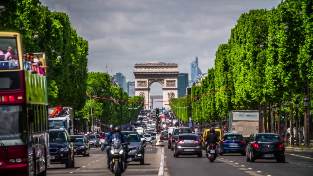 champs elysees and arc de triomphe in paris - arc de triomphe paris stock videos & royalty-free footage