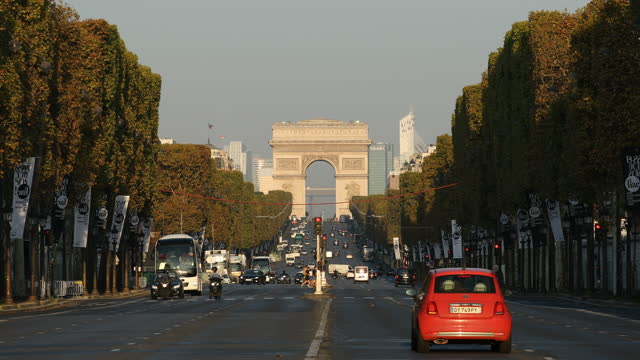 champs elysees arc de triomphe - boulevard stock videos & royalty-free footage