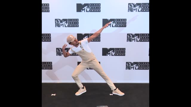 chance the rapper at 2016 mtv video music awards press room on august 28 2016 in new york new york - new chance stock videos & royalty-free footage