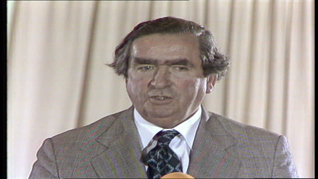 stockvideo's en b-roll-footage met chancellor denis healey at scarborough england scarborough 'i have to talk about ms people listen jobs and prices' vtr archive tape 480 v78/3251... - scarborough engeland
