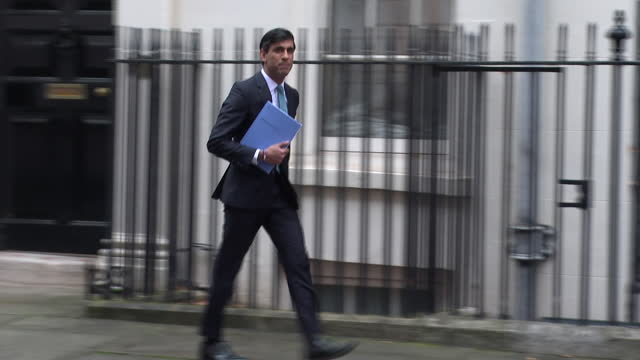 chancellor of the exchequer rishi sunak leaving 11 downing street - getting out stock videos & royalty-free footage