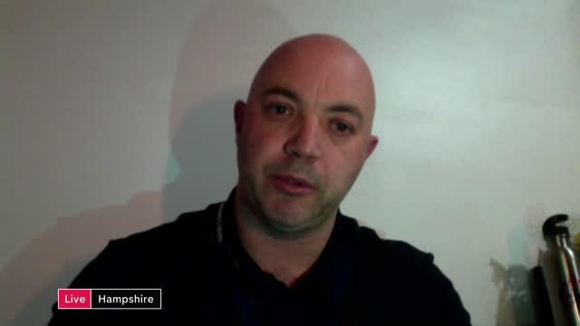 vídeos de stock e filmes b-roll de chancellor rishi sunak preparing to announce public sector pay freeze; england: hampshire: int mark chapman live interview via internet sot. cutaways... - hampshire