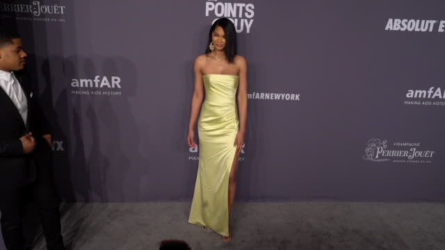 vídeos de stock, filmes e b-roll de chanel iman at the 21st annual amfar gala new york at cipriani wall street on february 06 2019 in new york city - evento anual