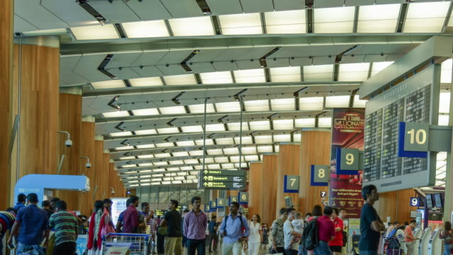 stockvideo's en b-roll-footage met changi airport terminal singapore - immigrant