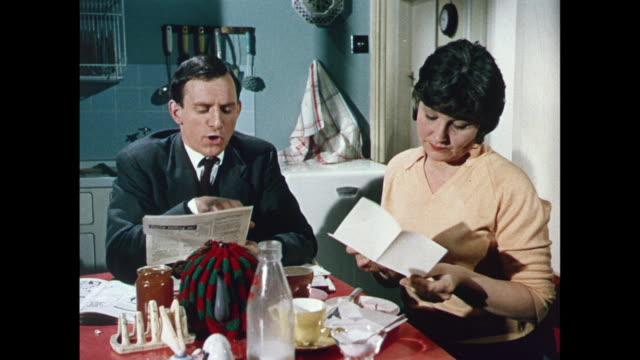 stockvideo's en b-roll-footage met 1969 uk - changing to smokeless coal - brievenbus huis