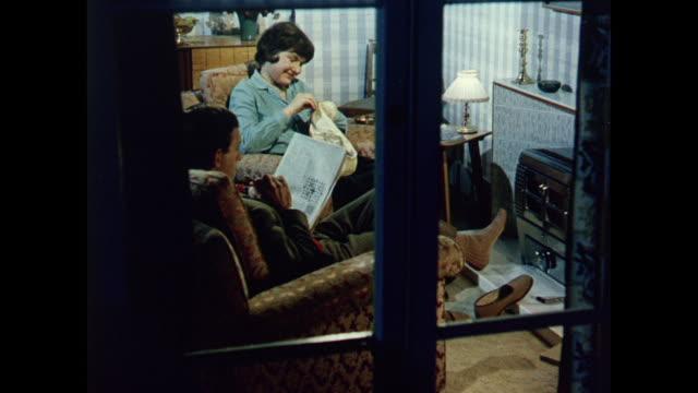 1969 uk - changing to smokeless coal - fernsehwerbung stock-videos und b-roll-filmmaterial