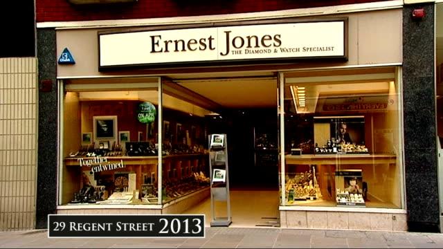 vídeos de stock, filmes e b-roll de channel 4 news 'pop up' series swindon ernest jones jeweller's shop - channel 4 news