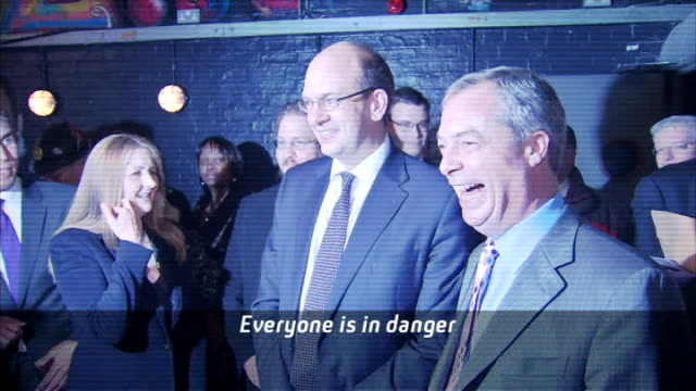 vídeos de stock, filmes e b-roll de channel 4 news review of the year r21111403 rochester photography*** nigel farage mep and ukip party workers applaud mark reckless mp [subtitles on... - channel 4 news