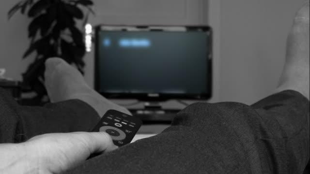 Channel Surfing-Fernseher mit Fernbedienung