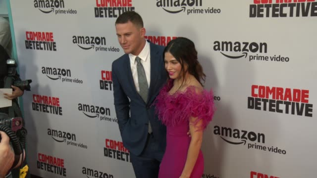 vídeos de stock, filmes e b-roll de channing tatum, jenna dewan tatum at premiere of amazon's 'comrade detective' in los angeles, ca 8/3/17 - estreia
