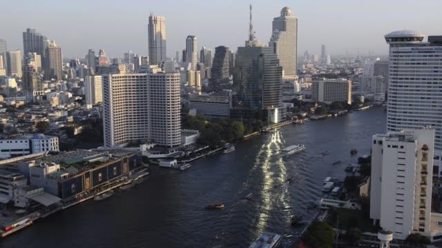 chao phraya river in bangkok - チャオプラヤ川点の映像素材/bロール