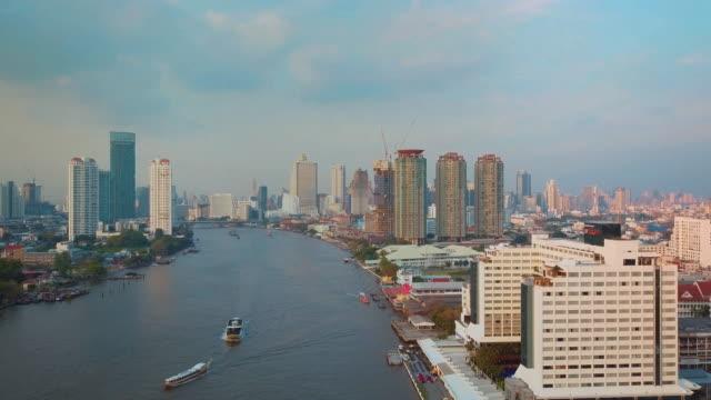 Rivière de Chao Phraya, Bangkok, Aerial Shot