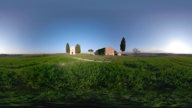 360 vr / chapel vitaleta in tuscany hills - 360 video stock videos & royalty-free footage