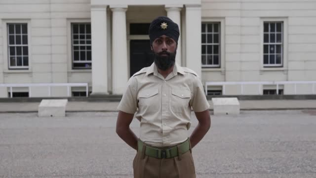 charanpreet singh lall is a 22-year-old coldstream guards soldier taking part in trooping the colour. he will be the first person in history taking... - turban stock videos & royalty-free footage