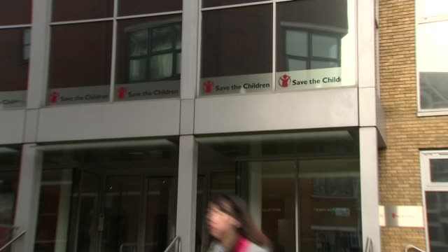 save the children allegations r210218006 / 2122018 england london farringdon st john's lane ext general view of save the children headquarters... - save the children stock videos & royalty-free footage
