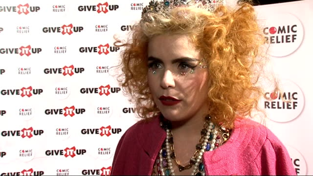 vídeos de stock e filmes b-roll de give it up for comedy relief show at wembley arena england london wembley int paloma faith arriving speaking to media and interview sot - wembley arena