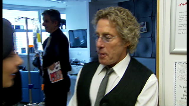 music: top stars perform for the teenage cancer trust; england: london: int teenage cancer trust patron roger daltrey visiting hospital roger daltrey... - roger daltrey stock-videos und b-roll-filmmaterial